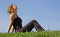 woman_in_grass