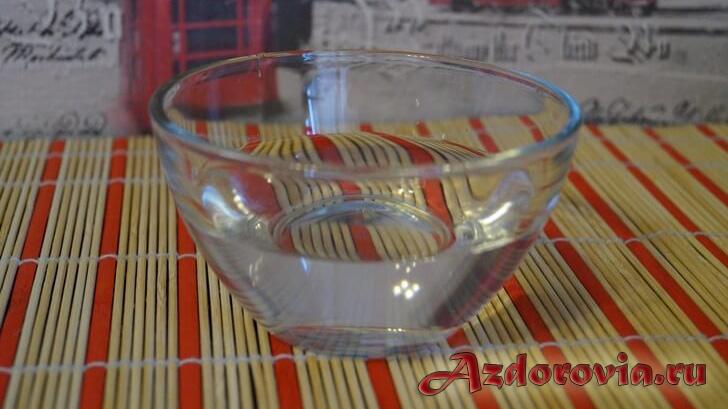 чаша с водой