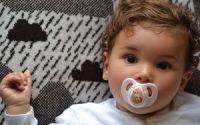 Пустышка для ребенка: за и против
